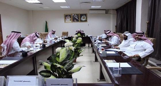 """وزير """" البلدية """" : التحقيق مع رئيس وأَعضاء مجلس """" الخرمة """""""