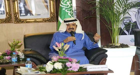 """"""" القاضي """" يوقع كتابه بالجناح السعودي في معرض القاهرة الدولي"""