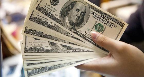 تراجع الدولار أمام 6 عملات رئيسية