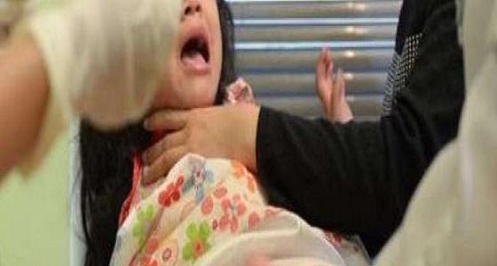 رجل يعاقب ابنته بختانها مرتين
