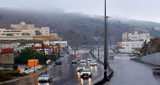 تنبيه لأهالي الباحة بهطول أمطار مصحوبة بالبرد تستمر للمساء