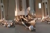 بالفيديو.. سقوط جزء من مئذنة مسجد بالقصيم