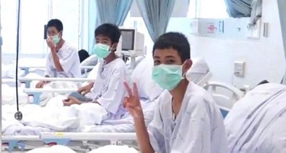 بالفيديو..أول ظهور لأطفال الكهف بعد إنقاذهم