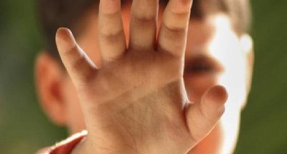 ضبط ثمانيني مارس الشذوذ بالإجبار مع طفل