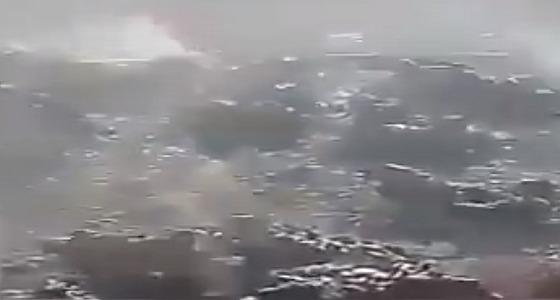 """بالفيديو.. حرق عشرات الحمام الحي بمناسبة بدعة """" عزاء عاشورا """" في إيران"""