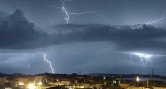 سحب رعدية ورياح وغيوم وضباب على مناطق المملكة.. غدًا
