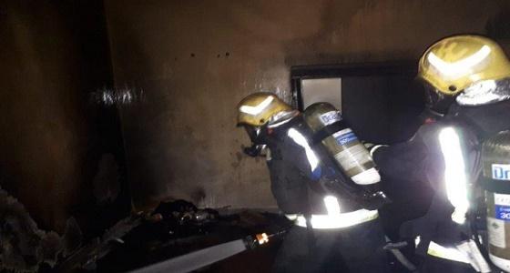 بالصور.. اندلاع حريق في أحد المنازل بحي الغوث