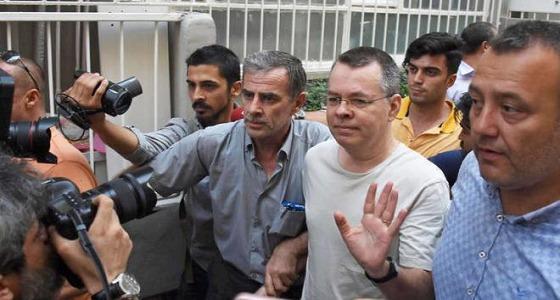 """الإفراج عن القس الأمريكي المعتقل بتركيا.. و """" ترامب """" يعلق"""