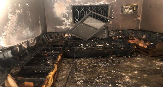 مدني الطائف ينقذ 14 شخصا من حريق مروع في إحدى الشقق بالمثناه