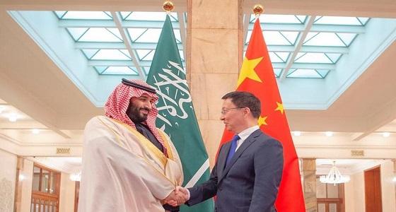 بالصور.. سمو ولي العهد يجتمع مع نائب رئيس مجلس الدولة بالصين