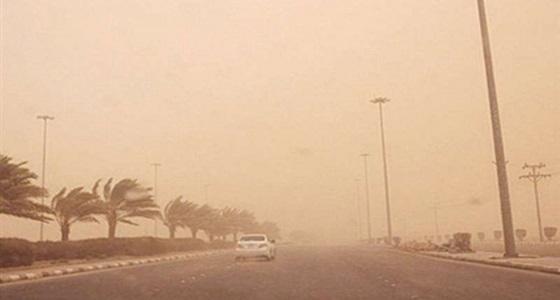 """تحذير لمستخدمي طرق الرياض بسبب """" الغبار الكثيف """""""