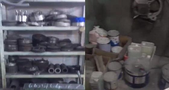 بالفيديو.. ضبط منزل شعبي لتعديل ودهان جنوط المركبات المستخدمة بجدة