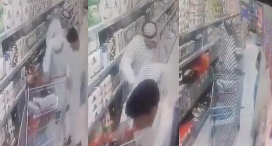 فيديو يوثق لحظة سرقة مسن بطريقة احترافية