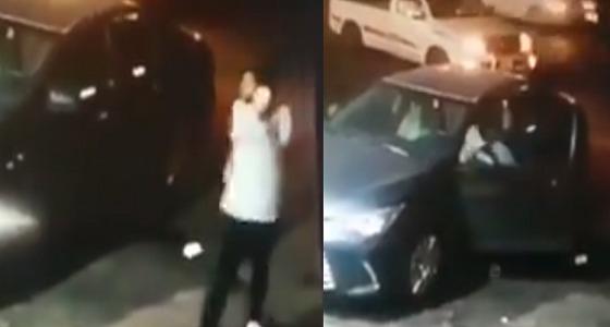 بالفيديو.. سرقة سيارة مواطن في جدة والجهات الأمنية تباشر