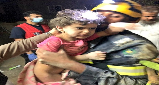 إنقاذ فتاة بعد احتجازها بين جدارين في منزلها بفيفاء