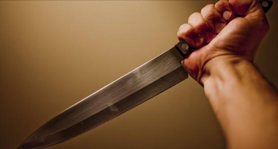 إصابة سيدة بطعنة في الصدر لخلاف عائلي في أبو عريش