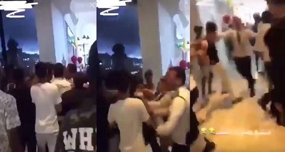 انقلب السحر على الساحر.. أتراك يعتدون على قطريين بالدوحة