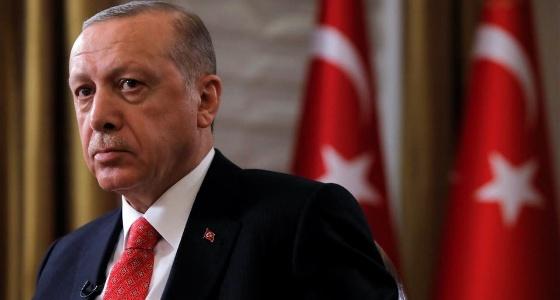 بعد الانهيار.. أردوغان يقرر بيع أصول الدولة لسد العجز