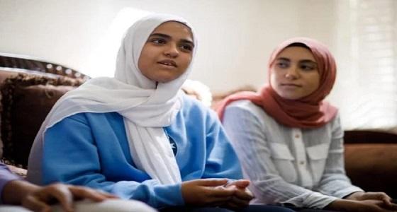 إجبار فتاة مسلمة على خلع الحجاب أمام ركاب طائرة في كندا