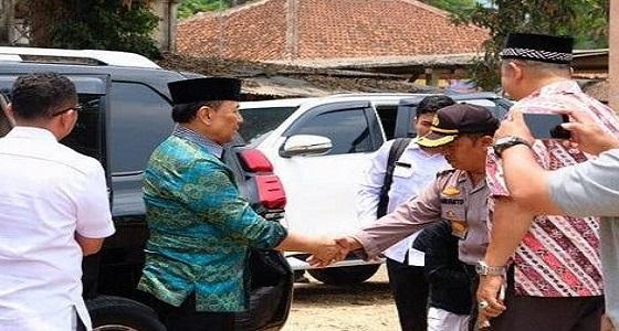 بالفيديو.. متطرف داعشي يطعن وزير الأمن الإندونيسي