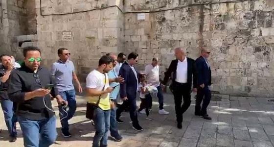 بالفيديو.. وفد المنتخب الوطني يزور المسجد الأقصى