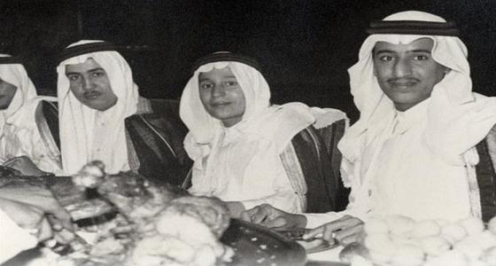 صورة نادرة لخادم الحرمين في عمر الـ 18 عامًا
