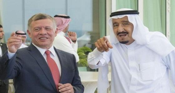 ملك الأردن يُعزي خادم الحرمين في وفاة الأمير متعب بن عبدالعزيز
