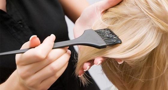 دراسة تكشف علاقة خطيرة بين صبغة الشعر والسرطان