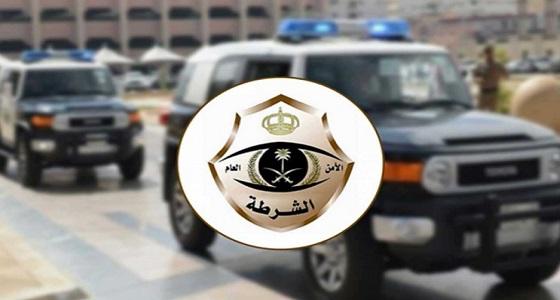 القبض على مقيمة دخلت مسجد بالقصيم وبعثرت محتوياته ووضعت مواد نجسه فيه