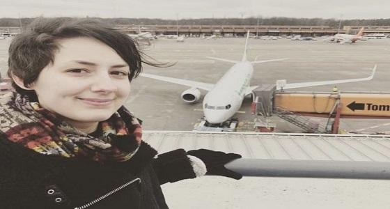 بعد علاقة حب طويلة.. ألمانية تخطط للزواج بطائرة بوينغ