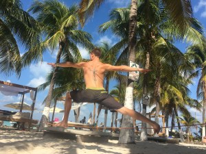 Slacklining In Mexico: Training and Making Friends