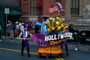Hollywood Dreams - Opening