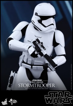 Hot Toys - Star Wars - The Force Awakens - First Order Stormtrooper Collectible Figure_PR5