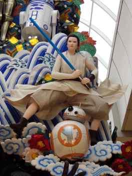 Fukuoka Star Wars Float - Rey & BB-8