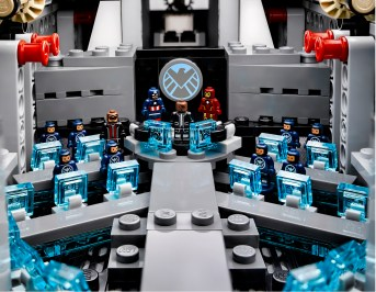 Lego Avengers Helicarrier 8