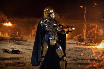 Star Wars The Force Awakens captain phasma 2