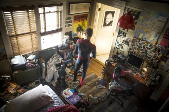 The Amazing Spider-Man 2 - Peter Parker in his bedroom