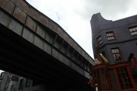 diagon alley train bridge