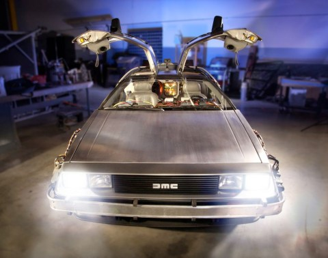 bttf-delorean-petersen1