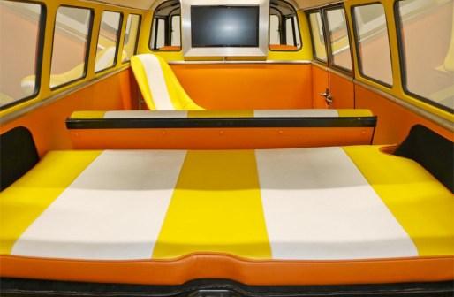 DeLorBack to the Future Volkswagen Busean Volkswagen Bus time machine
