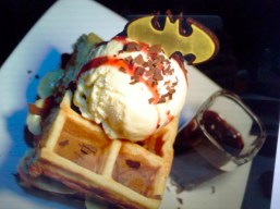 dccomics-cafe-food3