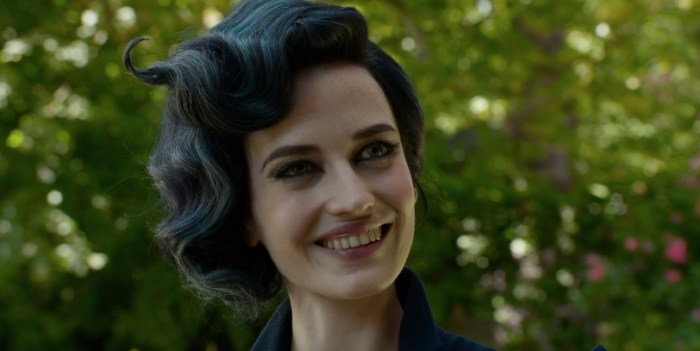 Miss Peregrine Loop Day Clip - Eva Green
