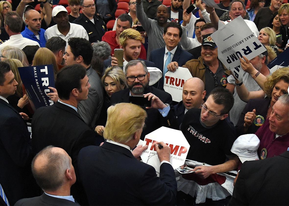 https://i2.wp.com/www.slate.com/content/dam/slate/articles/news_and_politics/politics/2016/02/160223_POL_Trump-rally-feb-22.jpg.CROP.promo-xlarge2.jpg