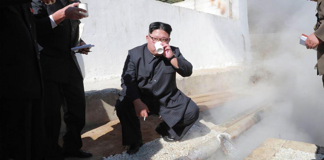 Kim Jong-un inspecte un chantier àYangdok, en Corée du Nord. |KCNA / AFP