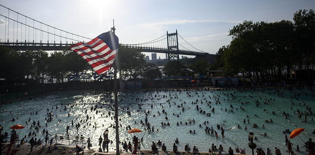 La vague de chaleur a touché New York, ce week-end. Johannes EISELE / AFP