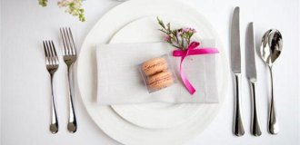 Macarons as wedding favours from La Dinette