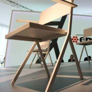 chaises-design-acier-verni