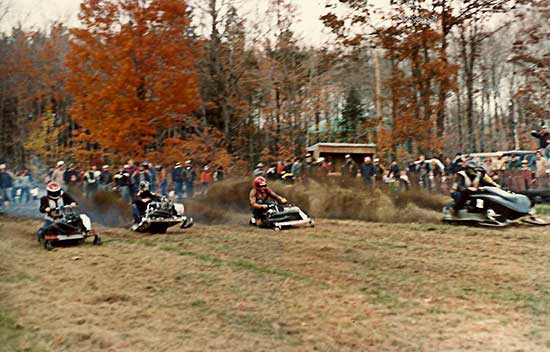 Terryville-CT-snowmobile-grass-drag-race