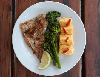 [Recipe] Fresh Fish With Broccoli and a Polenta Sweet Potato Blend