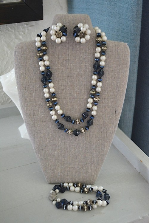 Pearl and Navy Necklace Set, Vintage Parure, Navy and Pearl Parure